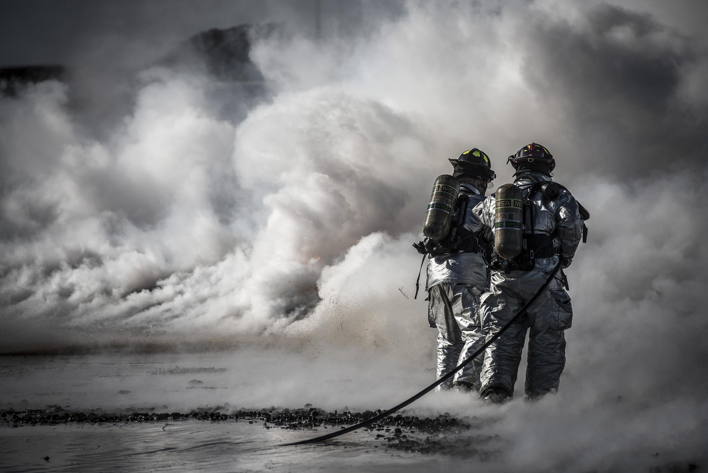 firefighters-training-live-fire-37543_1.jpeg